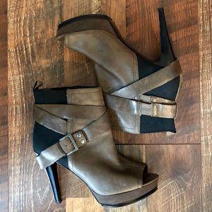 NINE WEST Grey Leather Peep-Toe Platform Booties